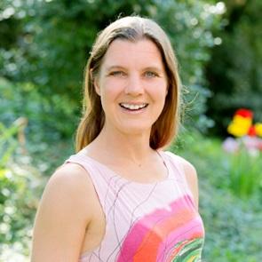 Speaker - Dr. Silvia Schäfer