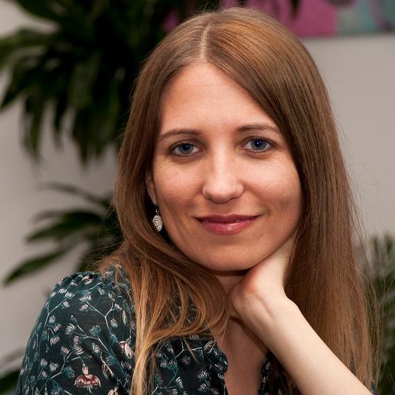 Speaker - Aline Brandstetter
